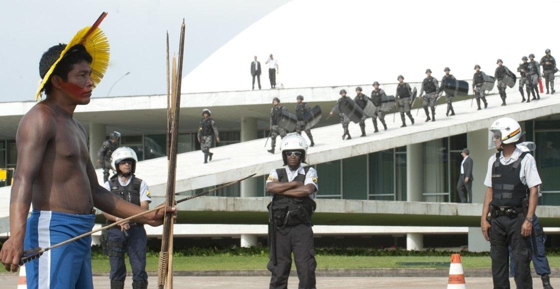 banner Krakrax, Kayapo, 2015, Kayapo Warrior and Brazilian Military Police